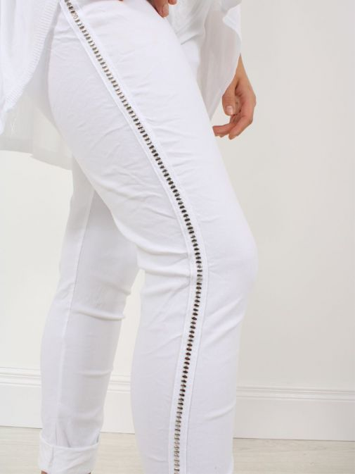 Close up of model wearing Cilento Woman Drawstring Trousers in White