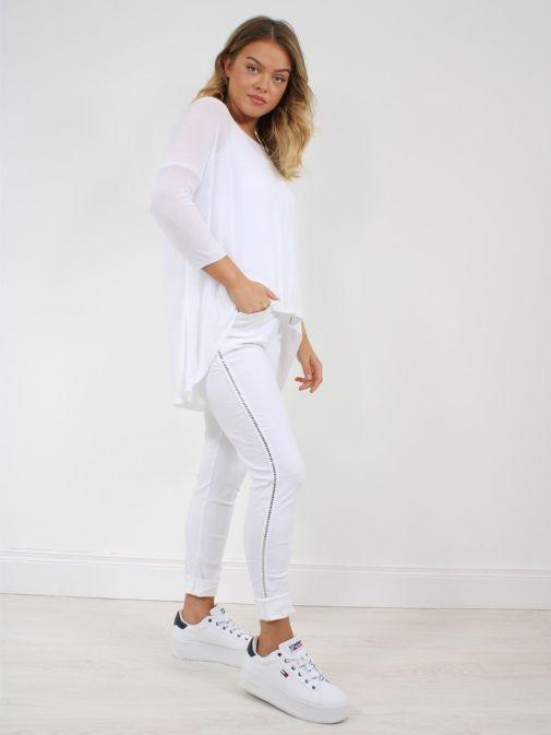 Full shot of Model wearing Cilento Woman Drawstring Trousers in White