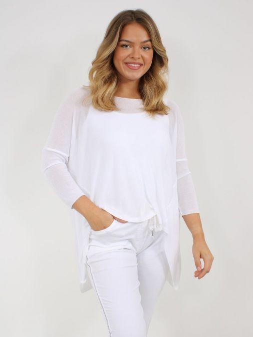 Model wearing Cilento Woman Fine Knit Sweater in White