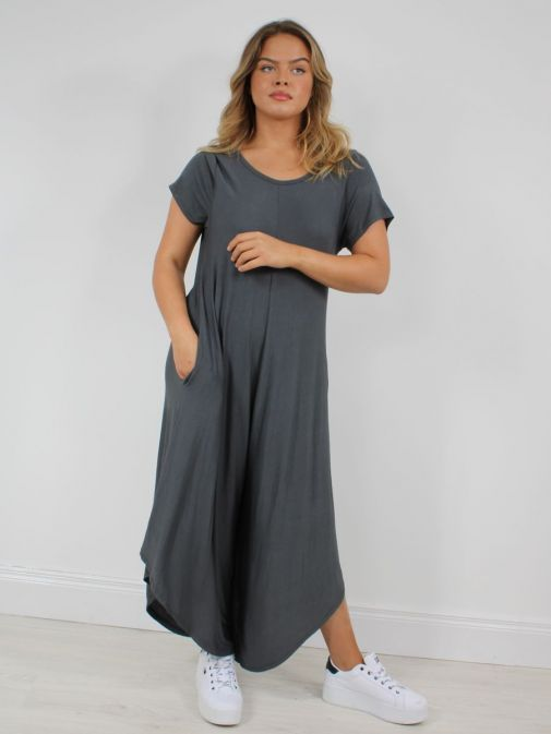 Model wearing Cilento Woman Jersey Jumpsuit in Grey