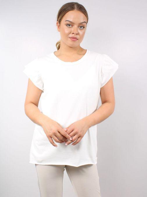 Model wearing Cilento Woman Frill Sleeve Tee in Cream