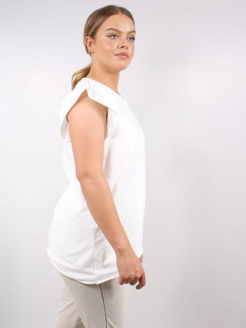Side shot of Model wearing Cilento Woman Frill Sleeve Tee in Cream