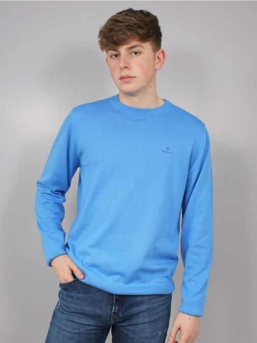 Front shot of the Gant Classic Cotton Crew Neck Sweater in the Blue Colour featuring long sleeves, rounded neckline and Gant Logo