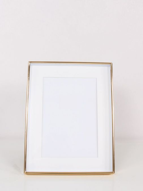 Front Image of Gold Recessed Photo Frame in size 4x6 inches