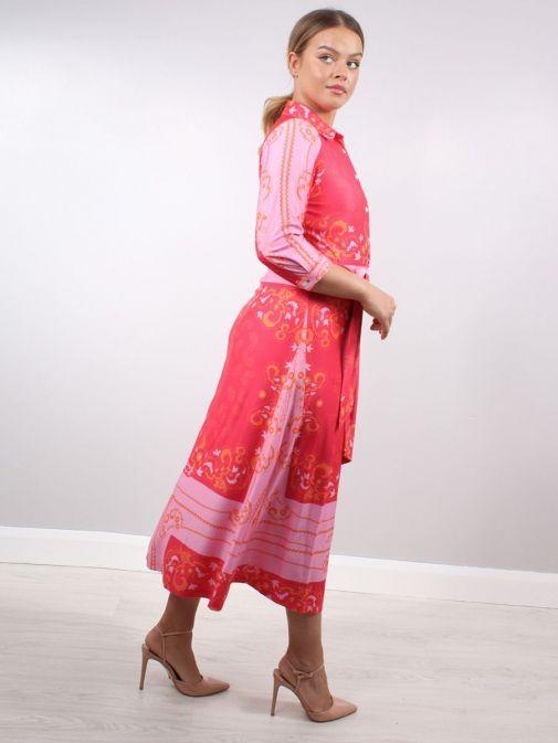 Side shot of model wearing K Design Paisley Print Midi Dress in Pink