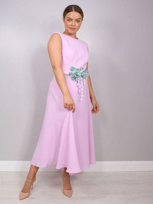 Model wearing Laura Bernal Sleeveless Midi Dress in Lilac, Style 91020400