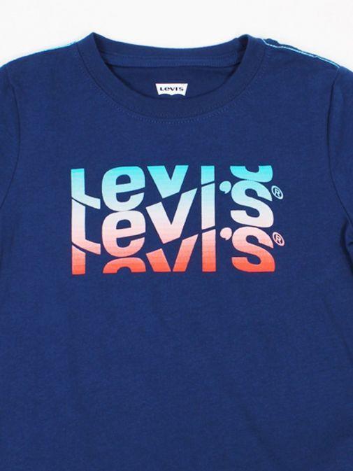 Close up shot of Levi's Kids Wavey Logo T-Shirt in Blue