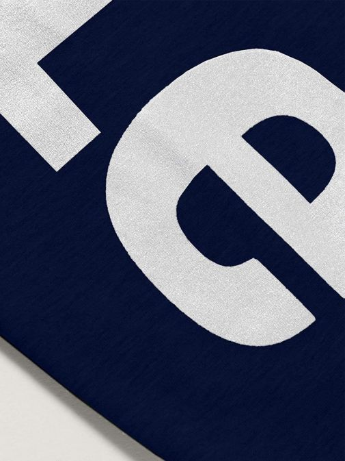 Close up of logo of Levis Teenager High Rise Leggings in Medieval Blue