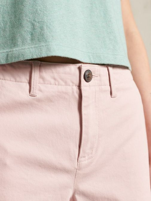 Close up of the Superdry City Chino Shorts in the Pink colour featuring belt buckle and button.