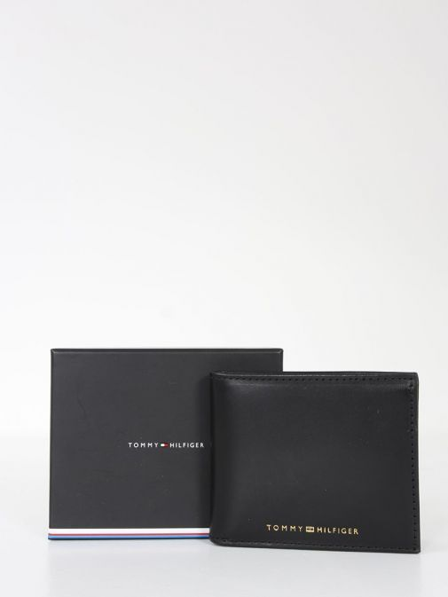 Product and Box Image of Tommy Hilfiger Casual Leather Small Card Wallet Black
