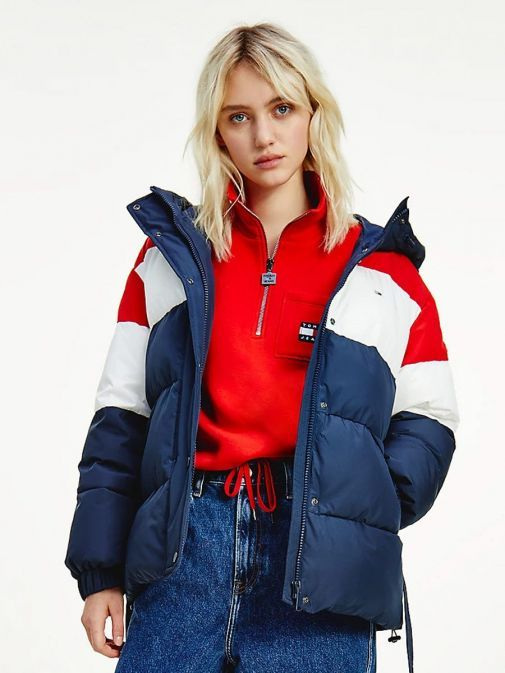 Model wearing Tommy Jeans Colour-Blocked Belted Down Puffer Jacket in Navy