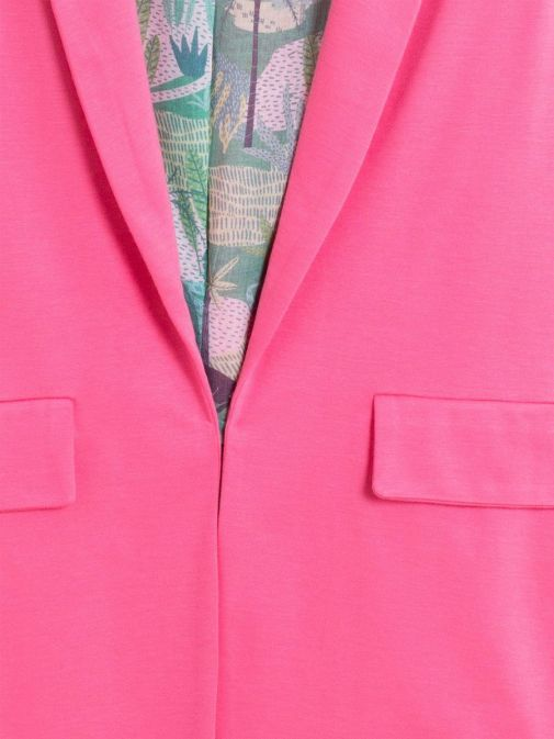 closeup shot of the Vilagallo Antonet Jacket in the Pink colour featuring pockets