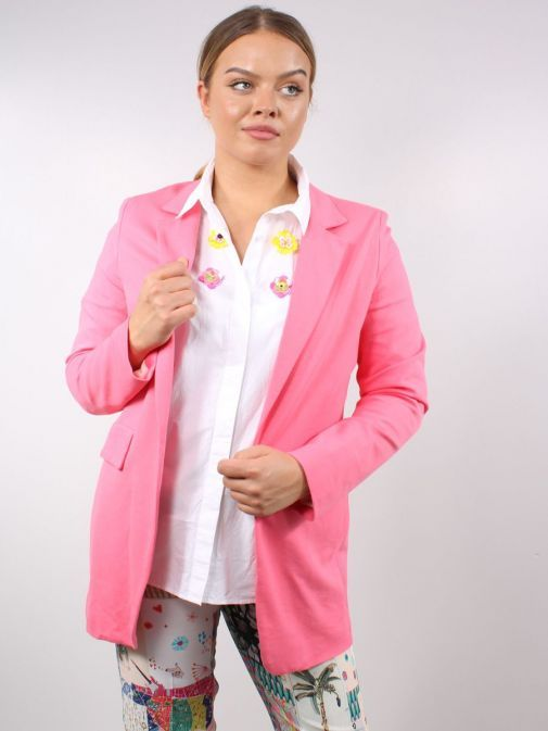 Model wearing Vilagallo Antonet Jacket in the Pink colour featuring pockets and long sleeves