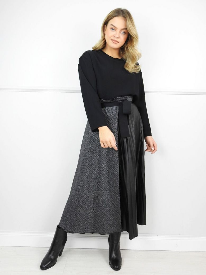 Hukka Black Contrast Maxi Skirt