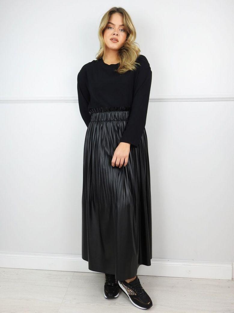 Hukka Black Long Pleated Skirt