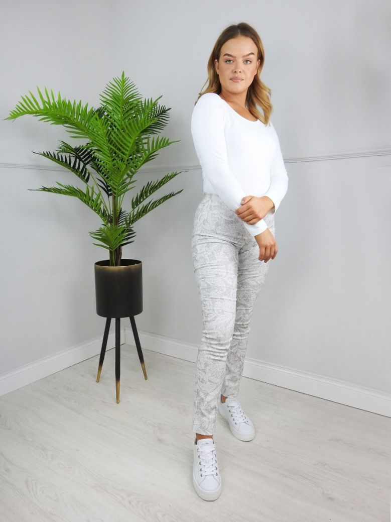 Robell Grey & White Jacquard Print Trousers (Style: Rose)