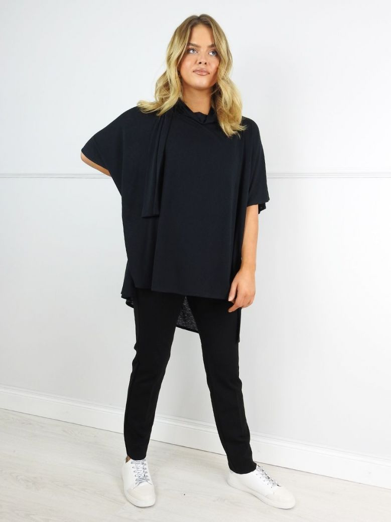 Q'neel Black Batwing Sleeve Tunic Top
