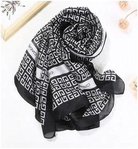 Cilento Woman Black Small Square Print Scarf