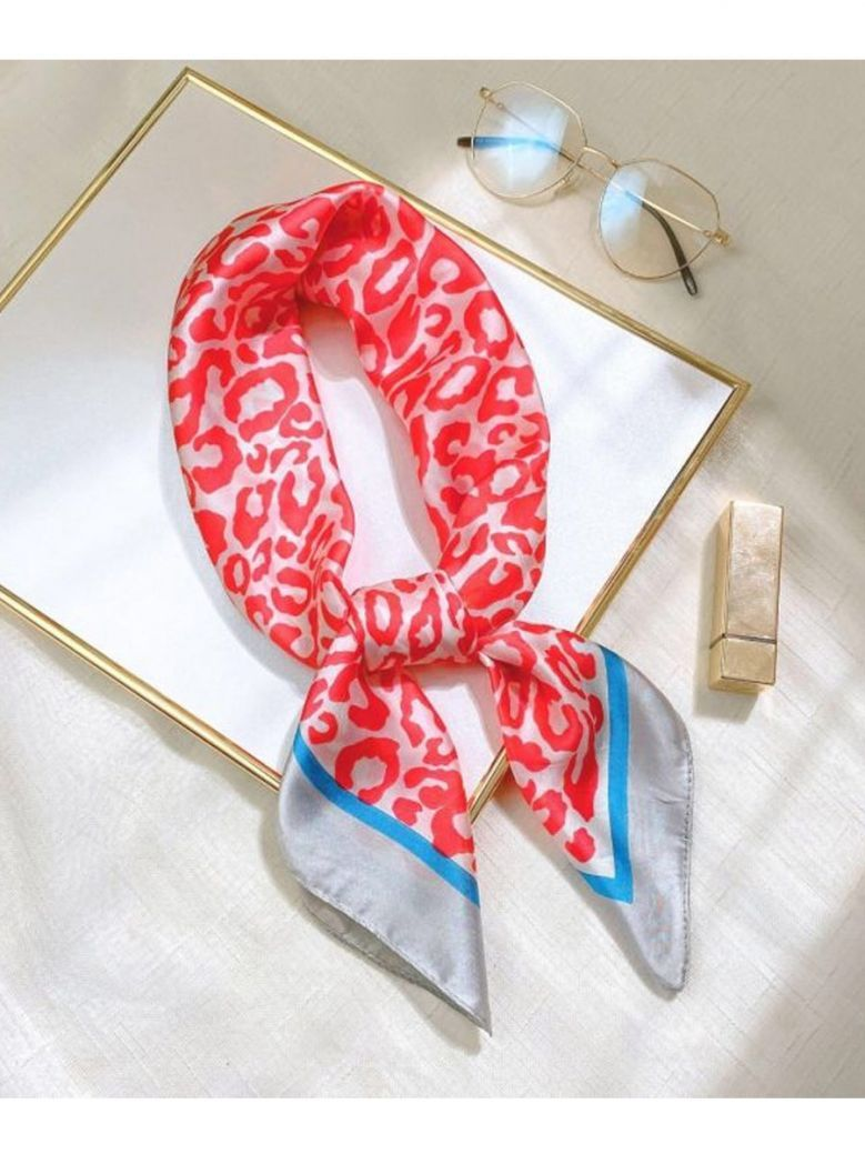 Cilento Woman Red Printed Scarf