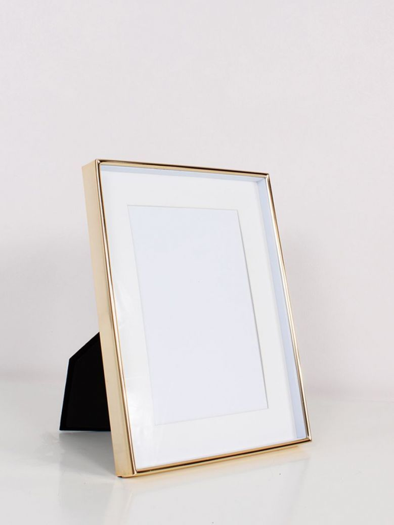 Gold Recessed Photo Frame 4x6
