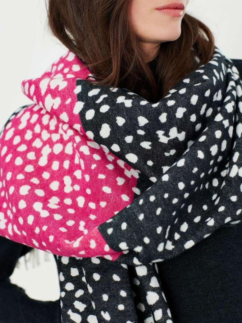 Joules Elissa Jacquard Warm Handle Scarf Black