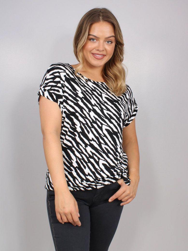 Monari Short-Sleeve Animal Print Top Black