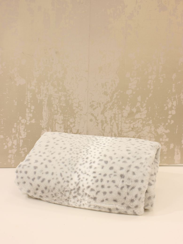 Grey Leopard Pattern Throw