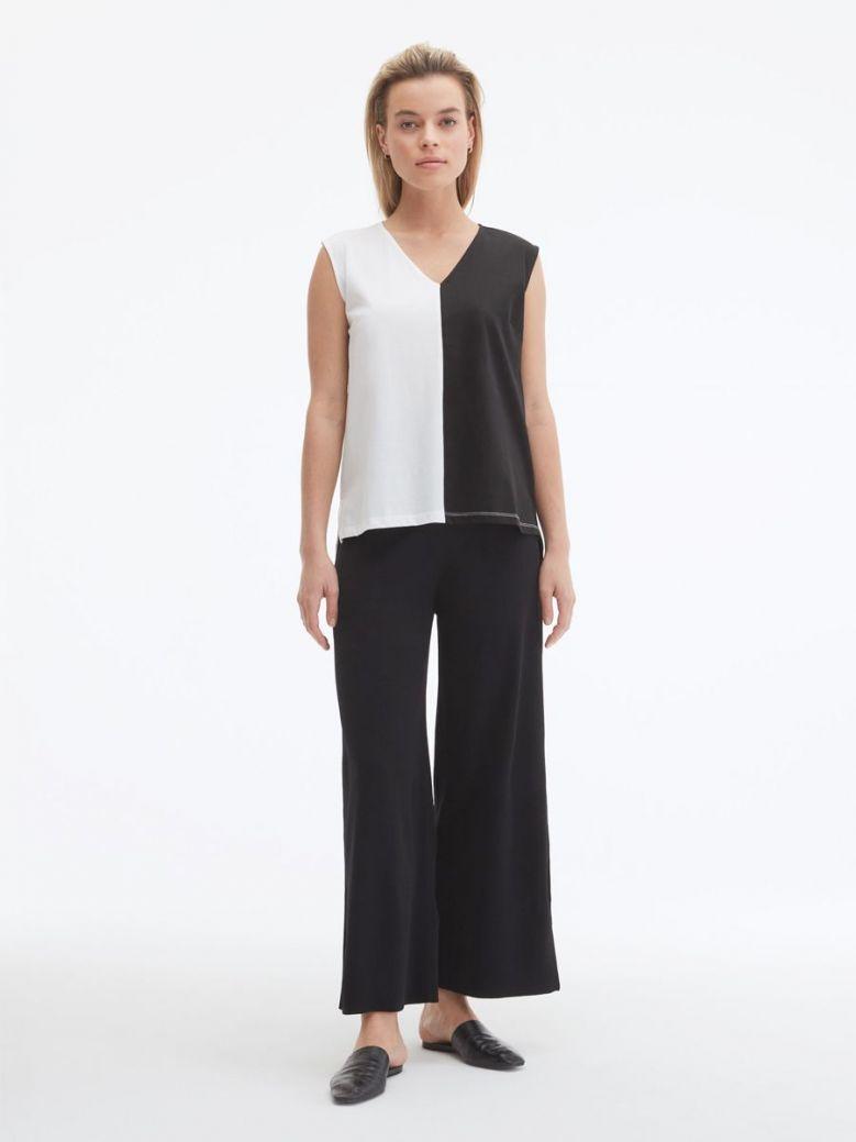 Uchuu Vest Top Black and White